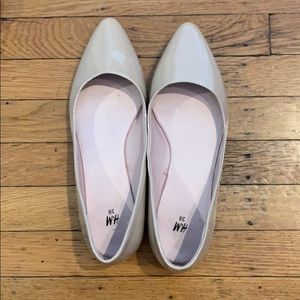 H&M Beige Pointy Flats - Size 39/8